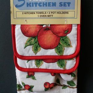 Other - Apple Kitchen Set, Towels Mitts 5pc